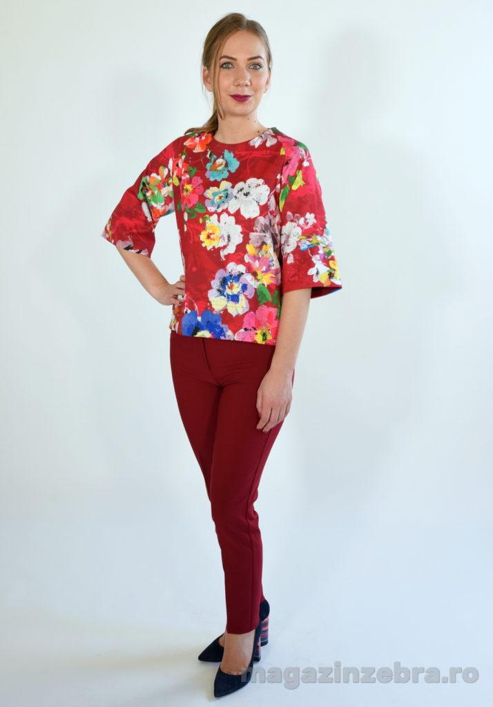 Costum 2 Piese Cu Bluzita Imprimeu Floral Si Pantaloni Skinny