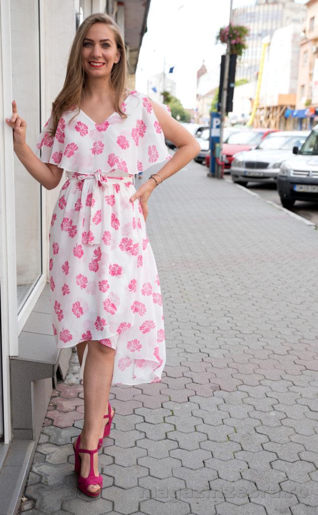 Rochie Casual Din Matase Alba Cu Imprimeu Roz Profil