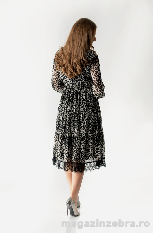 Rochie Animal Print In Clos Din Voal Si Dantela Spate
