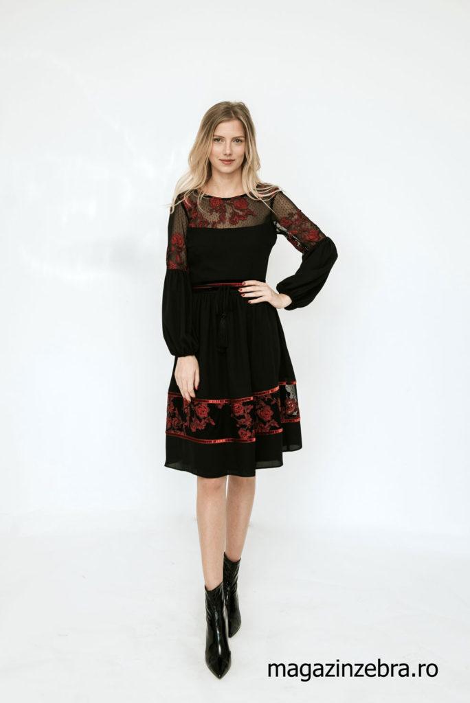Rochie La Donna In Clos Neagra Cu Broderie