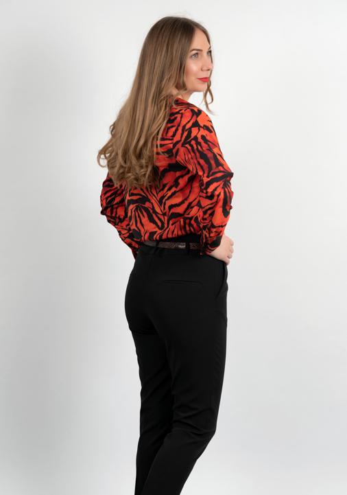 Bluza Animal Print Pe Fond Rosu Spate
