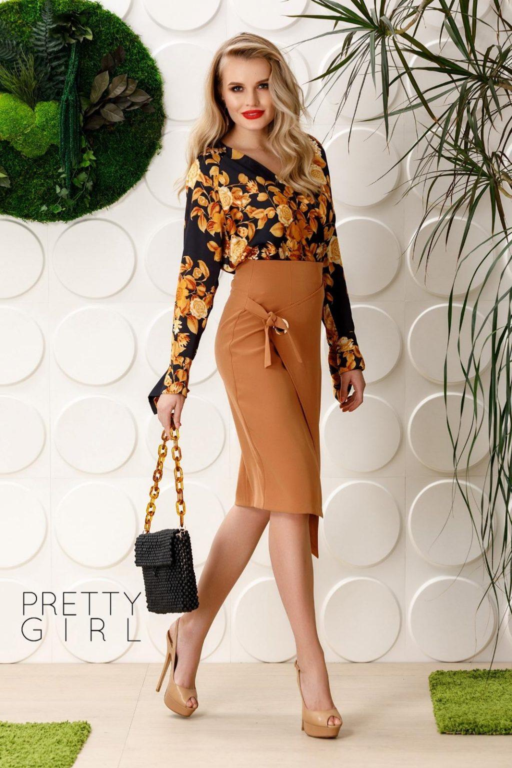 Bluza Neagra Pretty Girl Cu Imprimeu Floral
