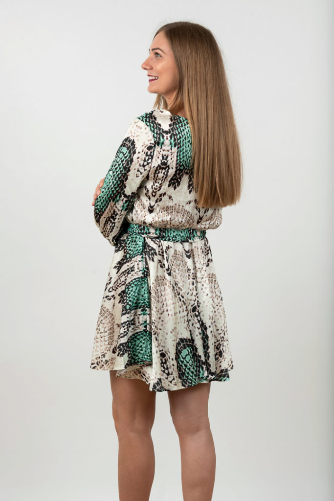 Rochie Scurta Eleganta Alb Cu Verde Spate