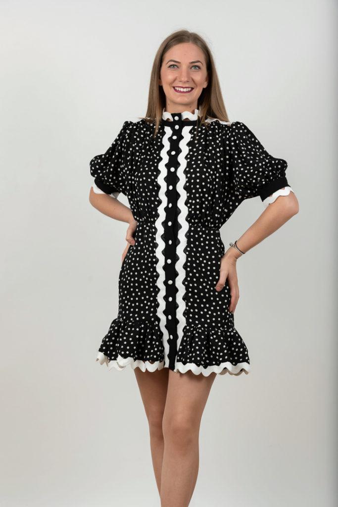Rochie Scurta Eleganta Cu Buline Pe Fond Negru Cu Alb